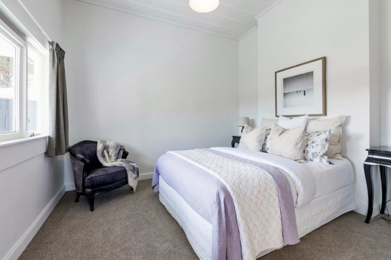 Upstairs House - Bedroom 2
