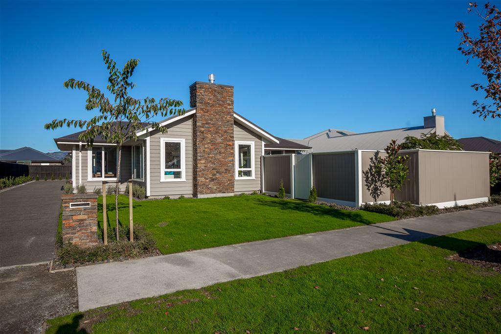 Ex Show Home Now for Sale