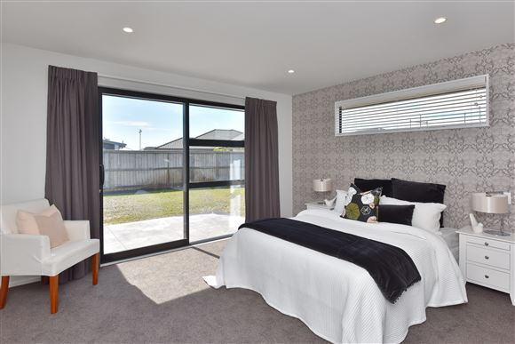 Beautiful Master Bedroom with Walk-In-Robe and Ensuite