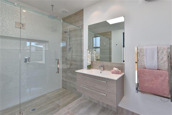 Master Bedroom Ensuite with tiled shower