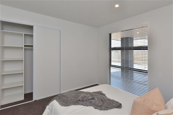 Bedroom 3 (Double) with Build-In-Robe