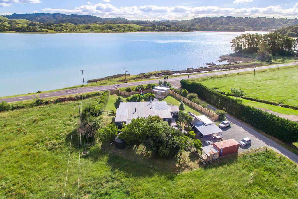 Exceptional Location by Ohiwa Harbour