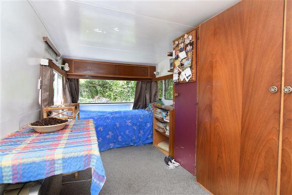 Caravan #1 internal