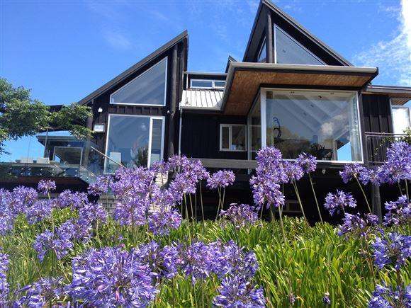 Acacia Cliffs Lodge - Acacia Bay