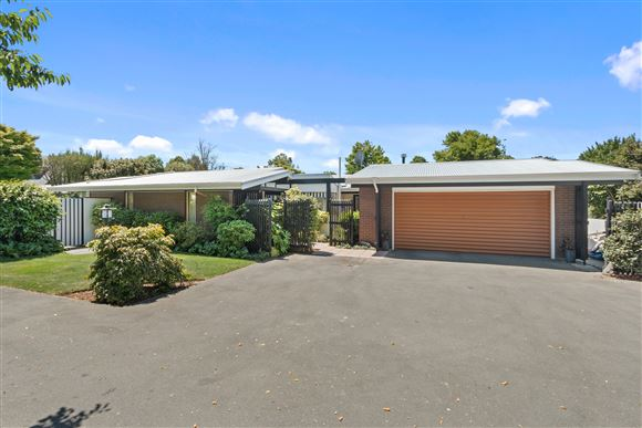 Family Home-School zoned!