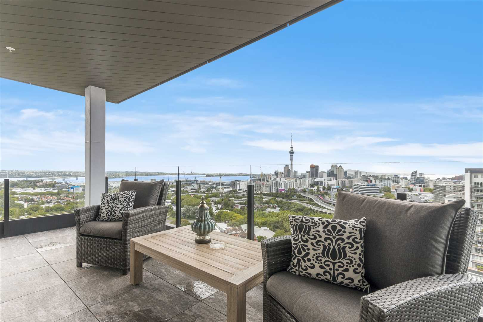Spectacular Hopetoun Penthouse