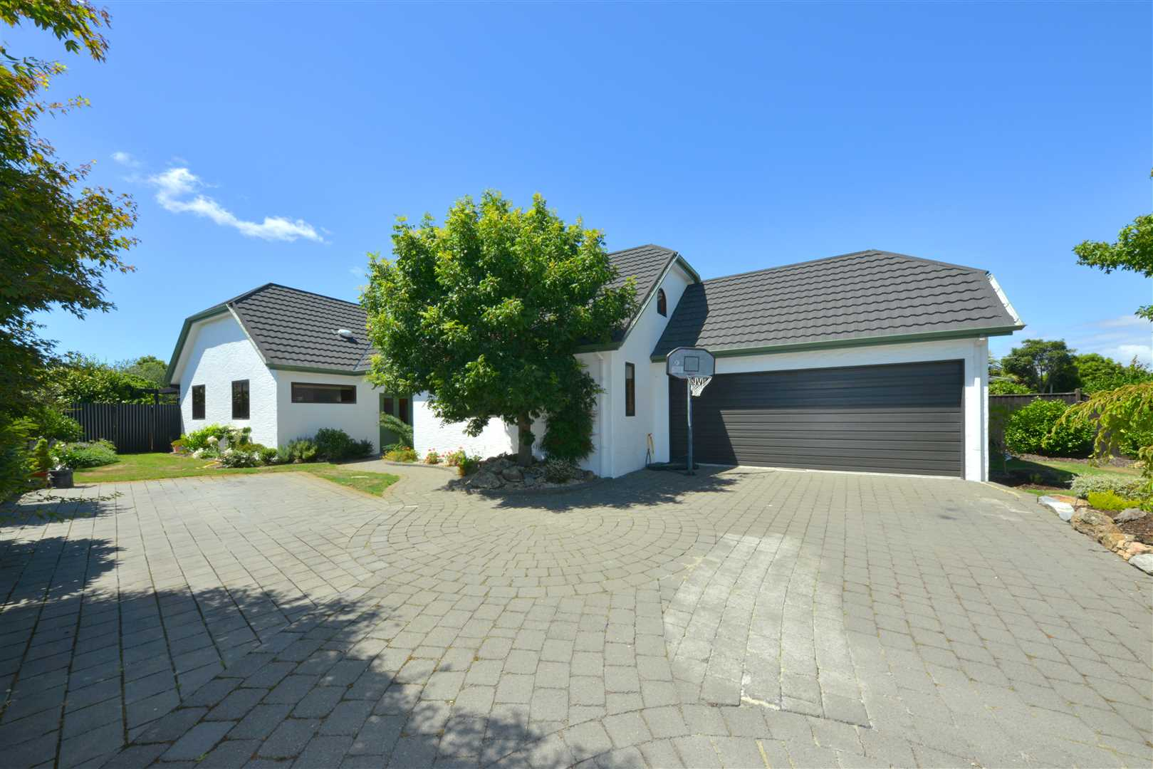 A large family home, a big opportunity!