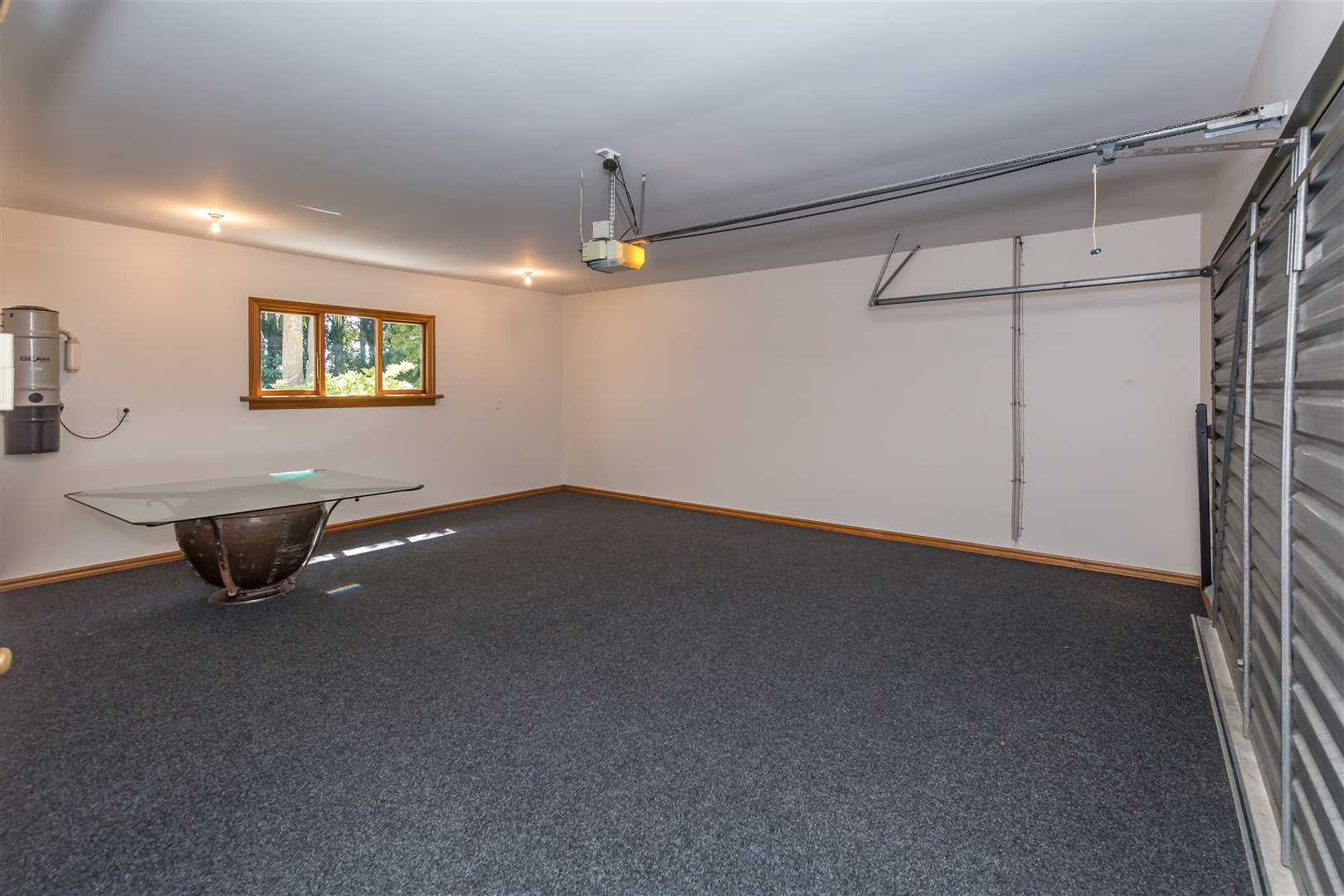 Garage, internal access for 2 vehicles