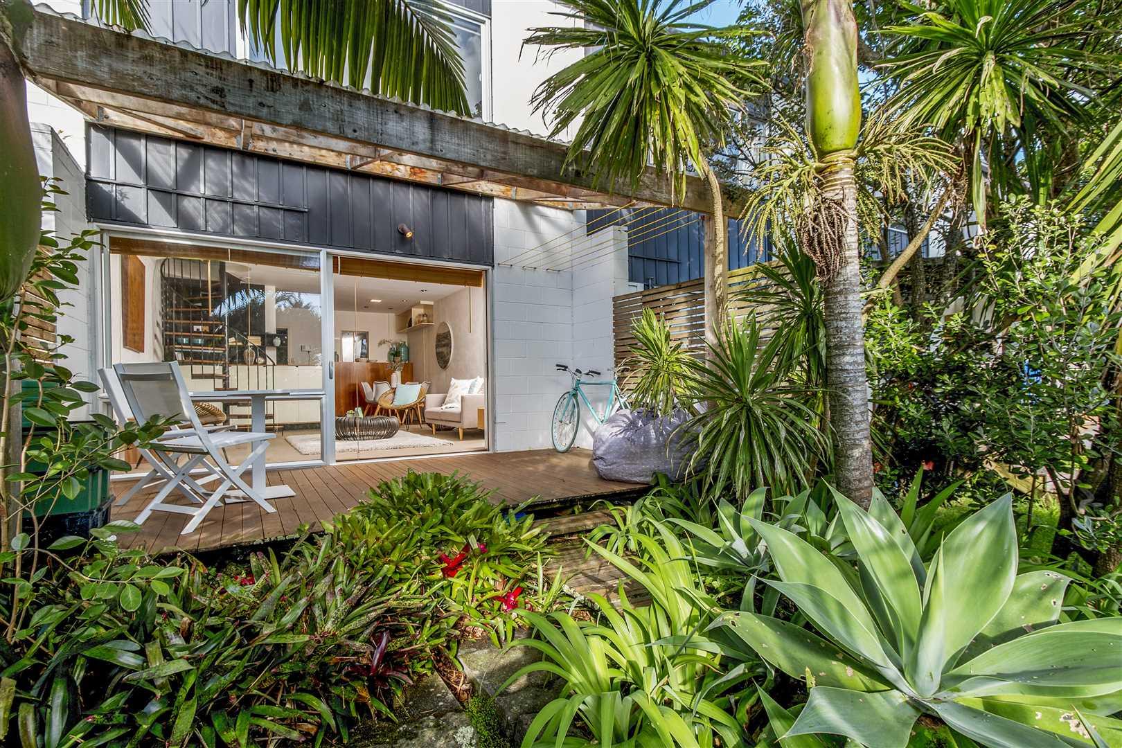 Inner-city Designer Living in Mt Eden