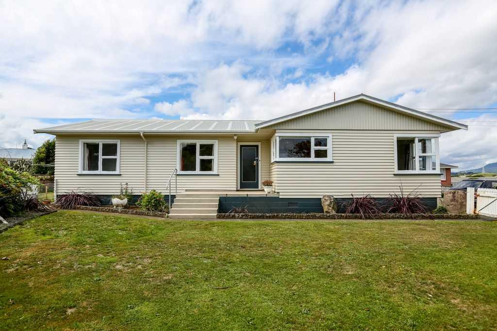 Kiwi Home seeks Loving Family
