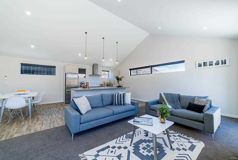 Stylish Home & Income