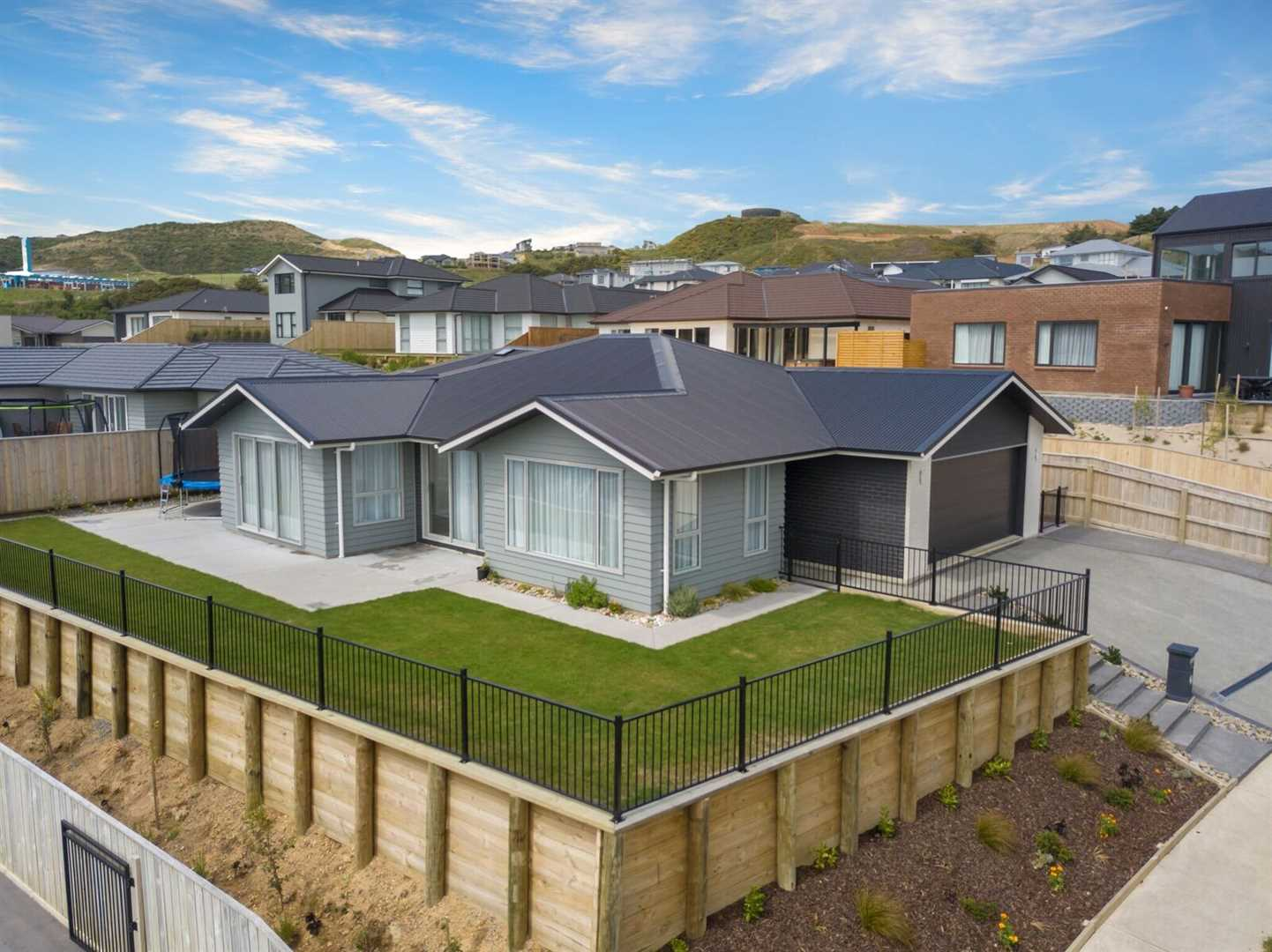 Sydney Bound Sellers! - Price by Negotiation Over $900,000
