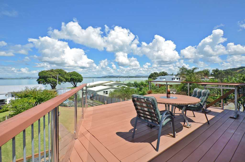 Enjoy the Coastal Lifestyle Dream in Waikaraka