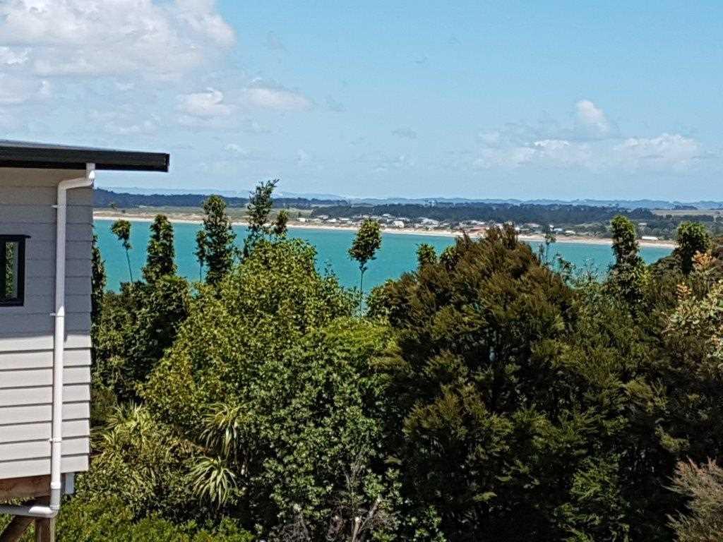 Distant views to Tokerau Beach