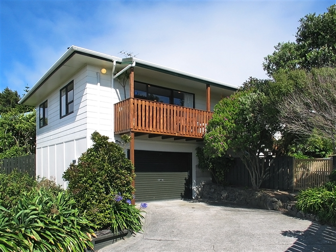 27 TUNA TERRACE, TITAHI BAY SOLD BY ANDY COOLING, HARCOURTS PAREMAT
