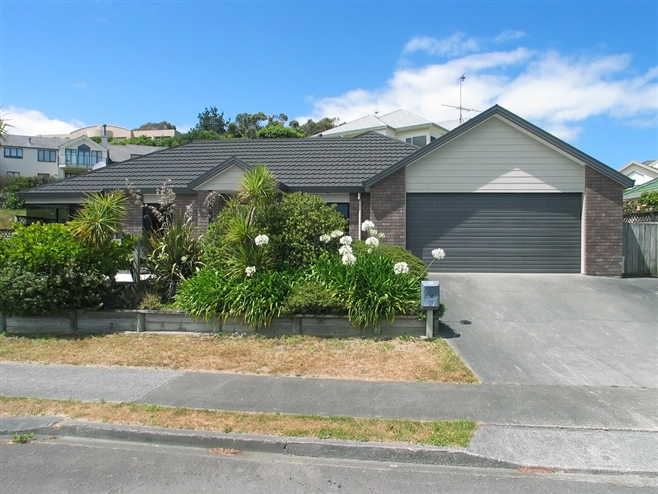 SOLD 52 Halladale Road, Papakowhai by Andy Cooling