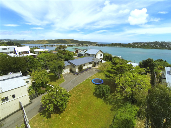 SOLD 19a & 19 Seaview Road, Paremata