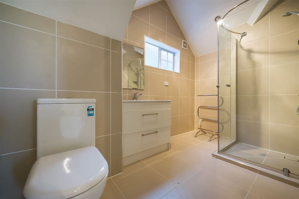 MInor Dwelling upstairs Bathroom