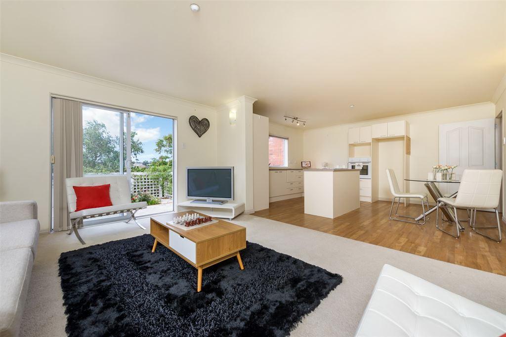 Minor Dwelling Lounge/Kitchen/Dining