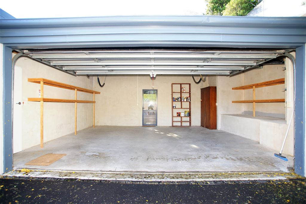 Full internal access garaging