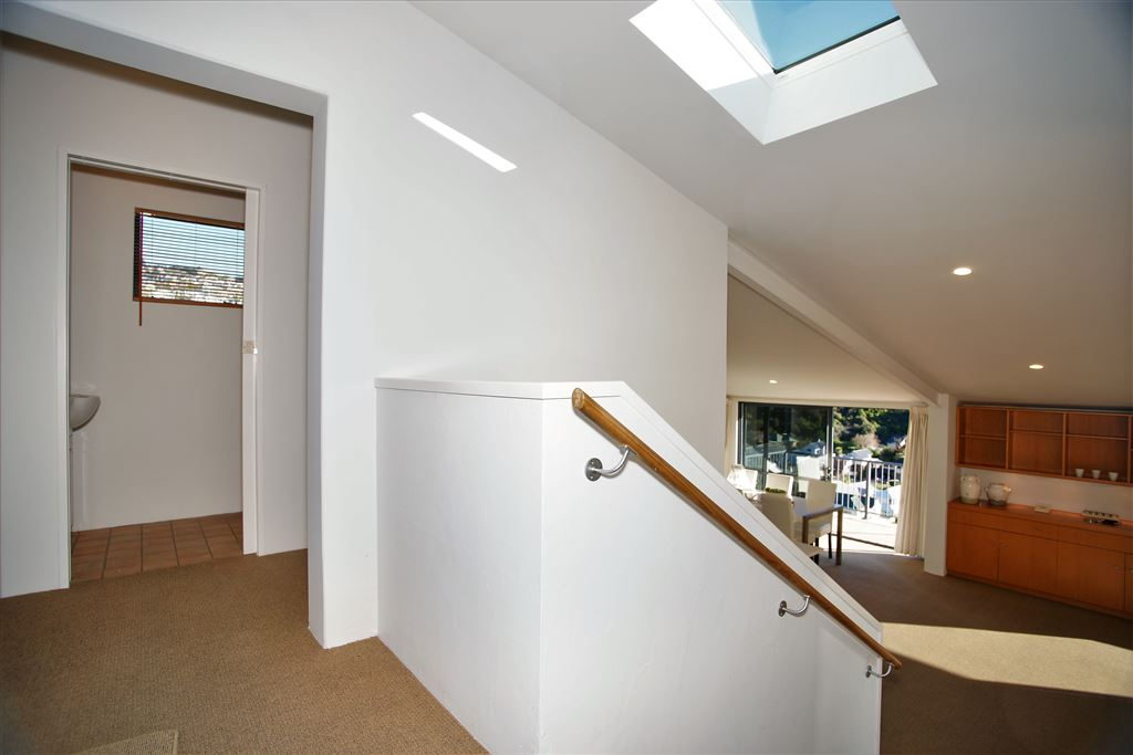 Entrance foyer, access to cloak room, guests toilet, garage & bedroom 4