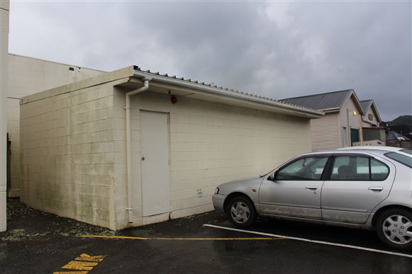 Separate shed at rear of building