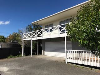 Family home close to the beach, schools, public transport, shops and numerous sporting amenities
