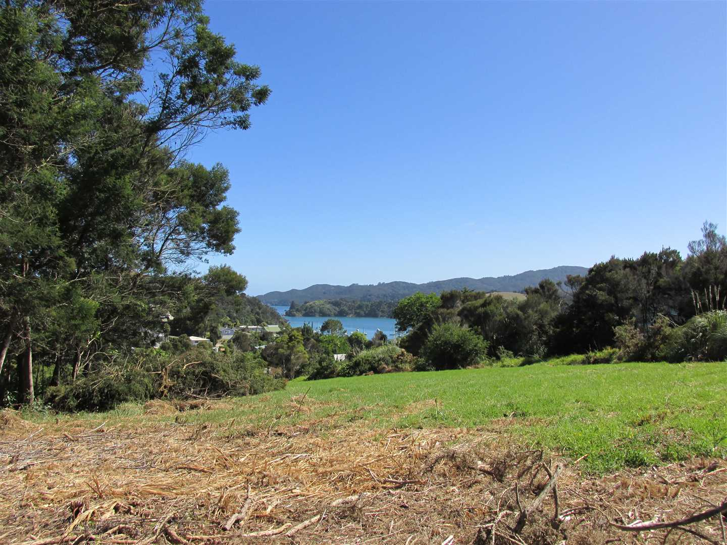 7475m2 site with views into Mangonui Harbour. Bound by State Highway 10, Beach Road and Colonel Mould Drive
