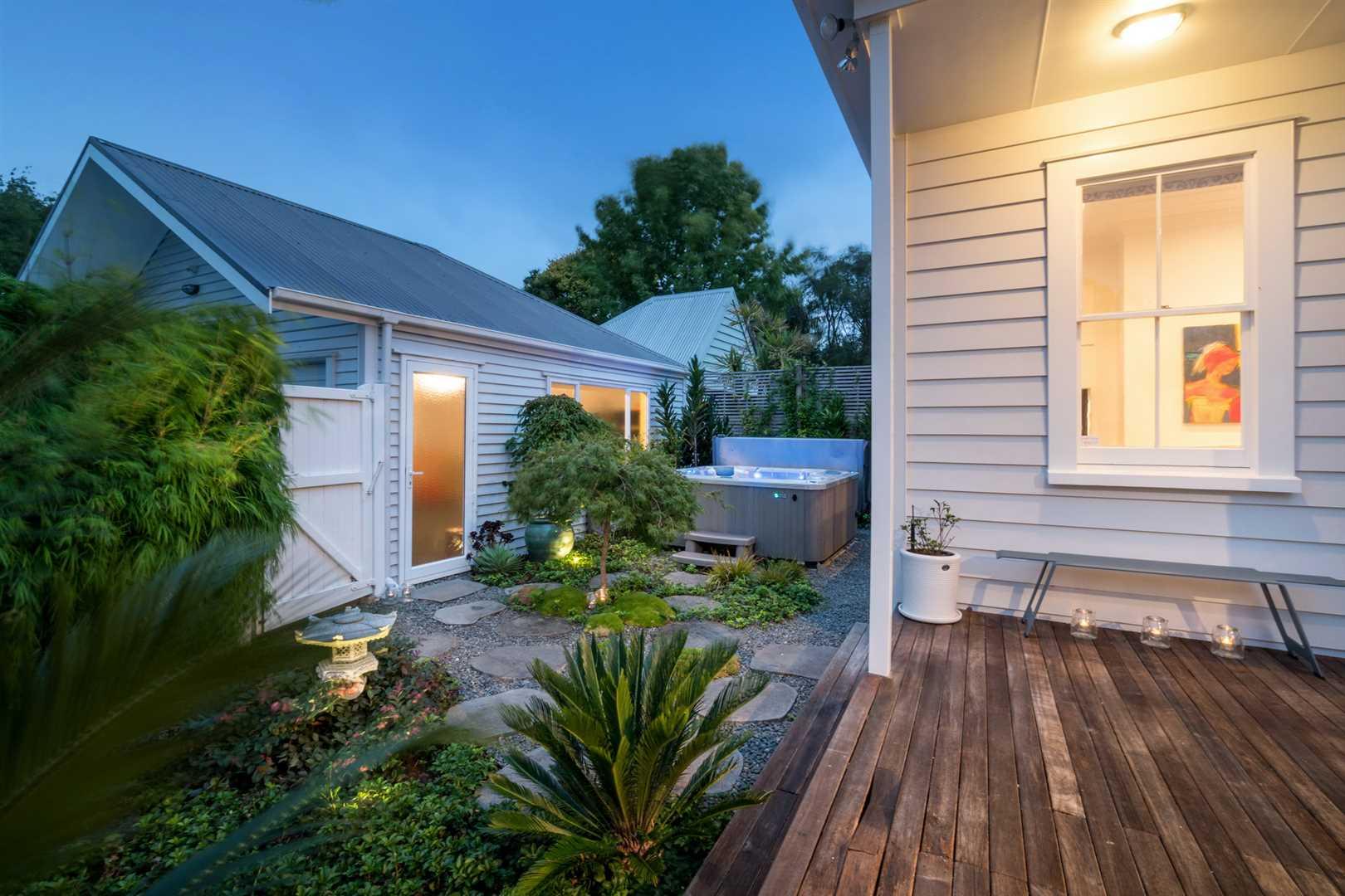 Back Garden, Spa & Double Garage Access
