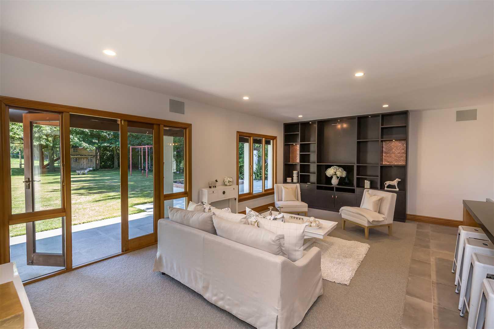 Easy indoor outdoor flow