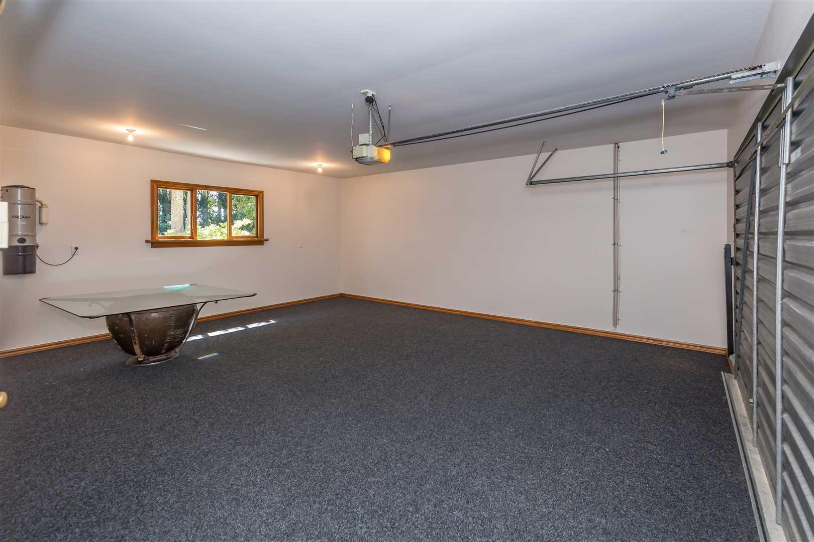 Garage, internal access for 2 vehicles
