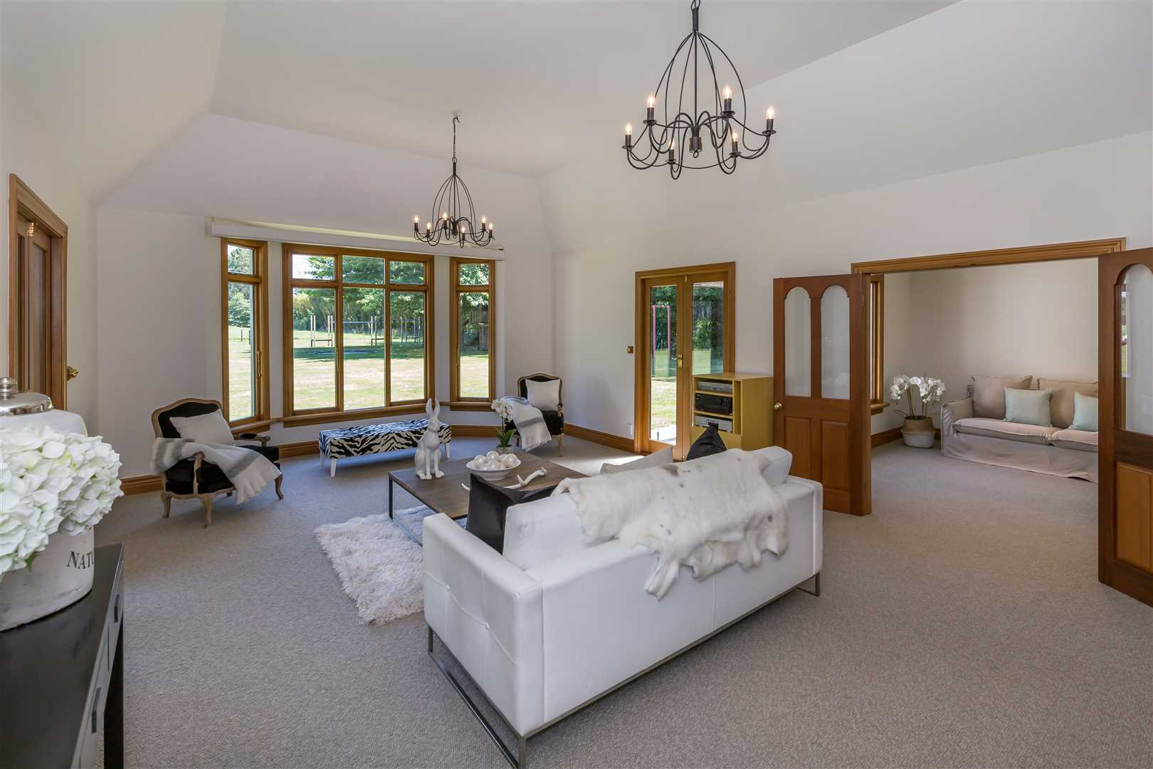 Lounge with adjoining room, ideal for children, viewing or another dining option?