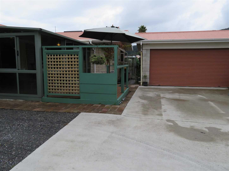 Ample parking & garage
