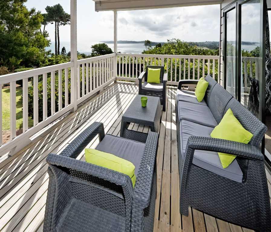 Stylish Home With Seaviews