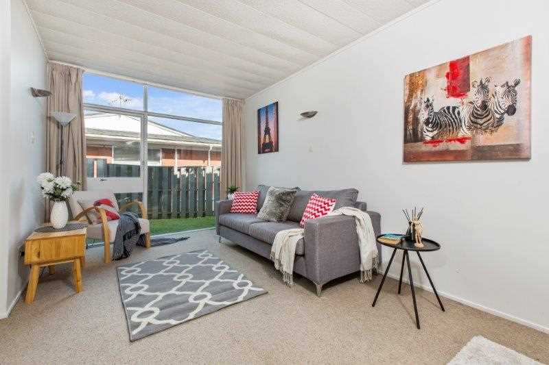GRAMMAR Zone 2 bed home for $675,000!