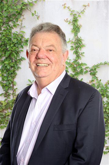 Geoff Lancaster