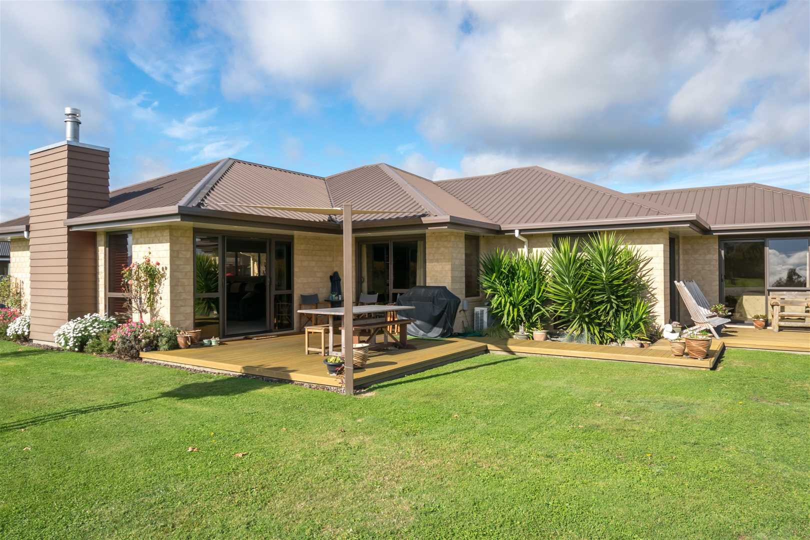 Vendor Downsizing, View this Immaculate Property