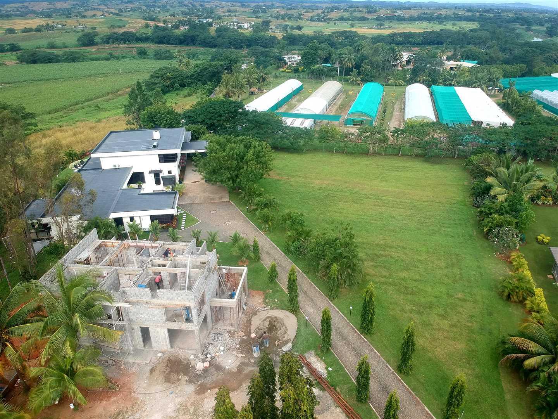 Construction of Villa's continue