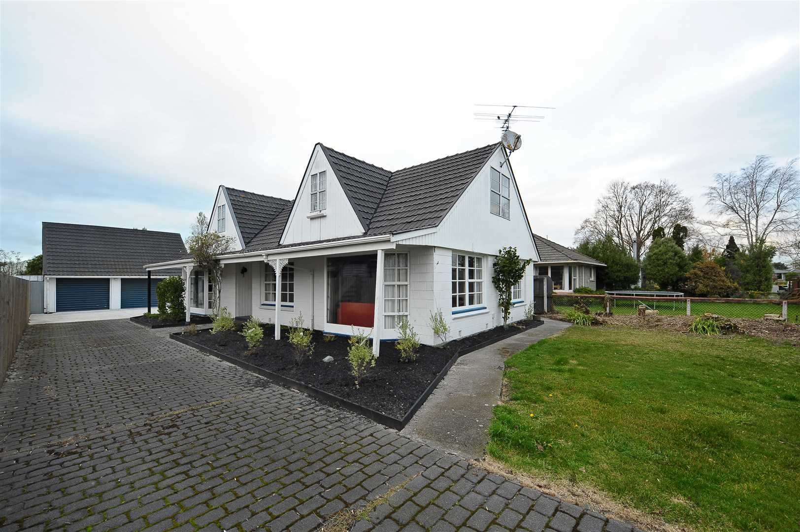 5 Bedroom Home in a Convenient Location