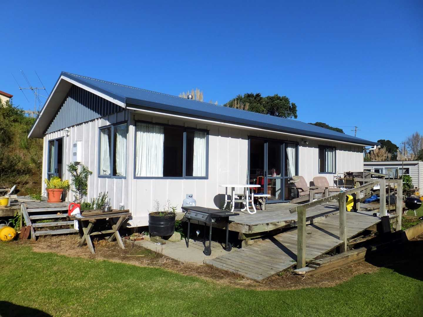 Beach, fishing and living in comfort (leasehold)