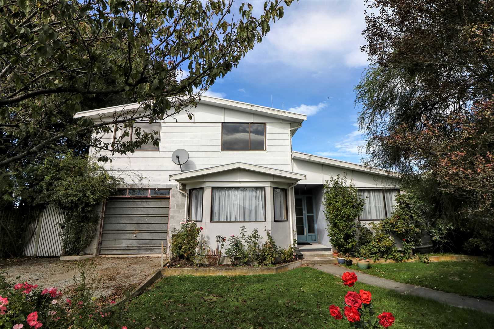 Extra Large Home - Incredible Value!