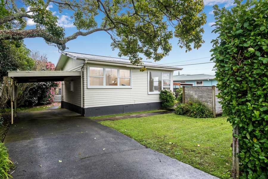 Huge Potential, Price Dropped to $560,000!