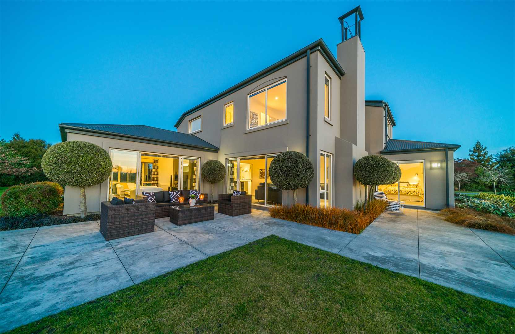 Amazing Home on 9008m2 in the heart of Rolleston