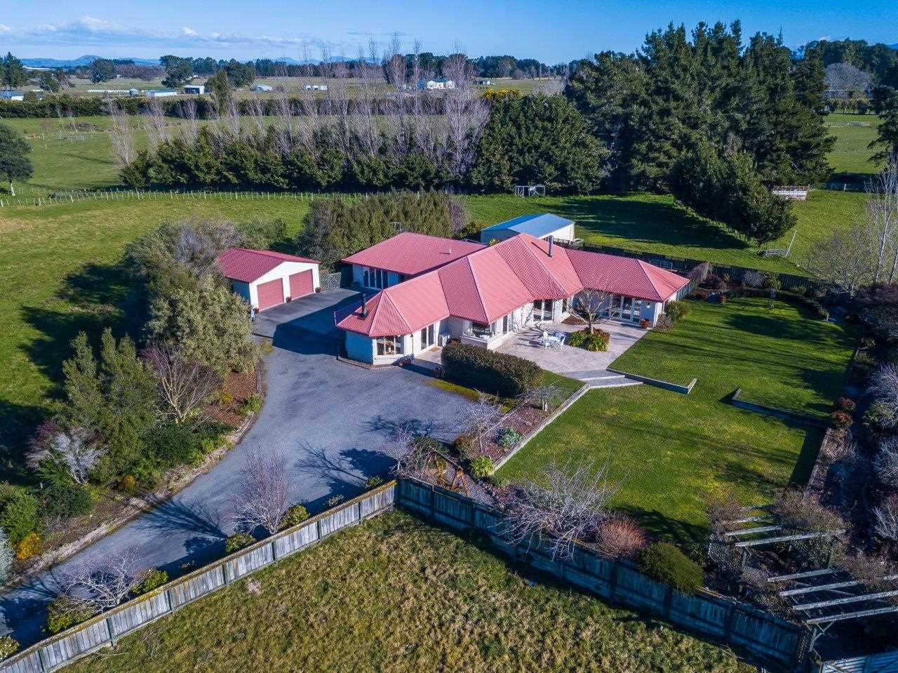 The Best Lifestyle Opportunity on 4.4ha!