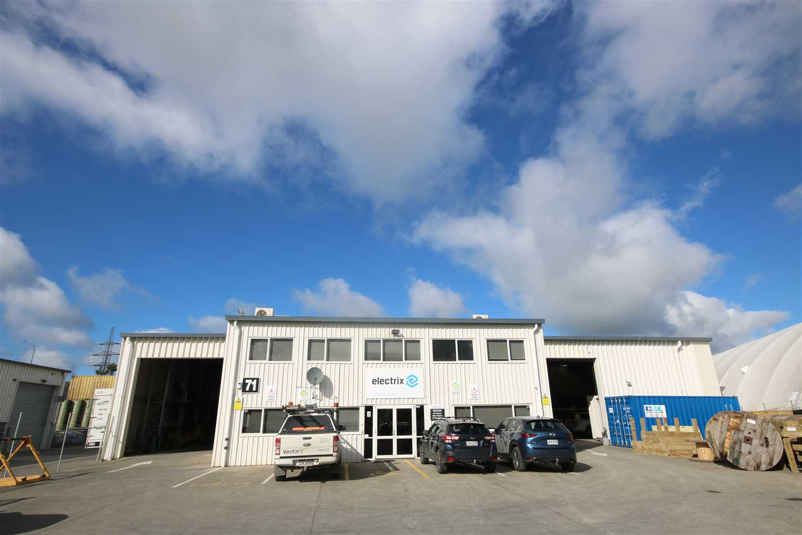 Attractive Industrial Investment in the Heart of Silverdale!
