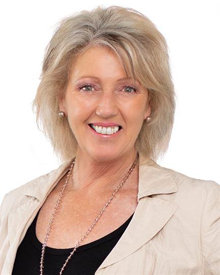 Linda Warren-Davey
