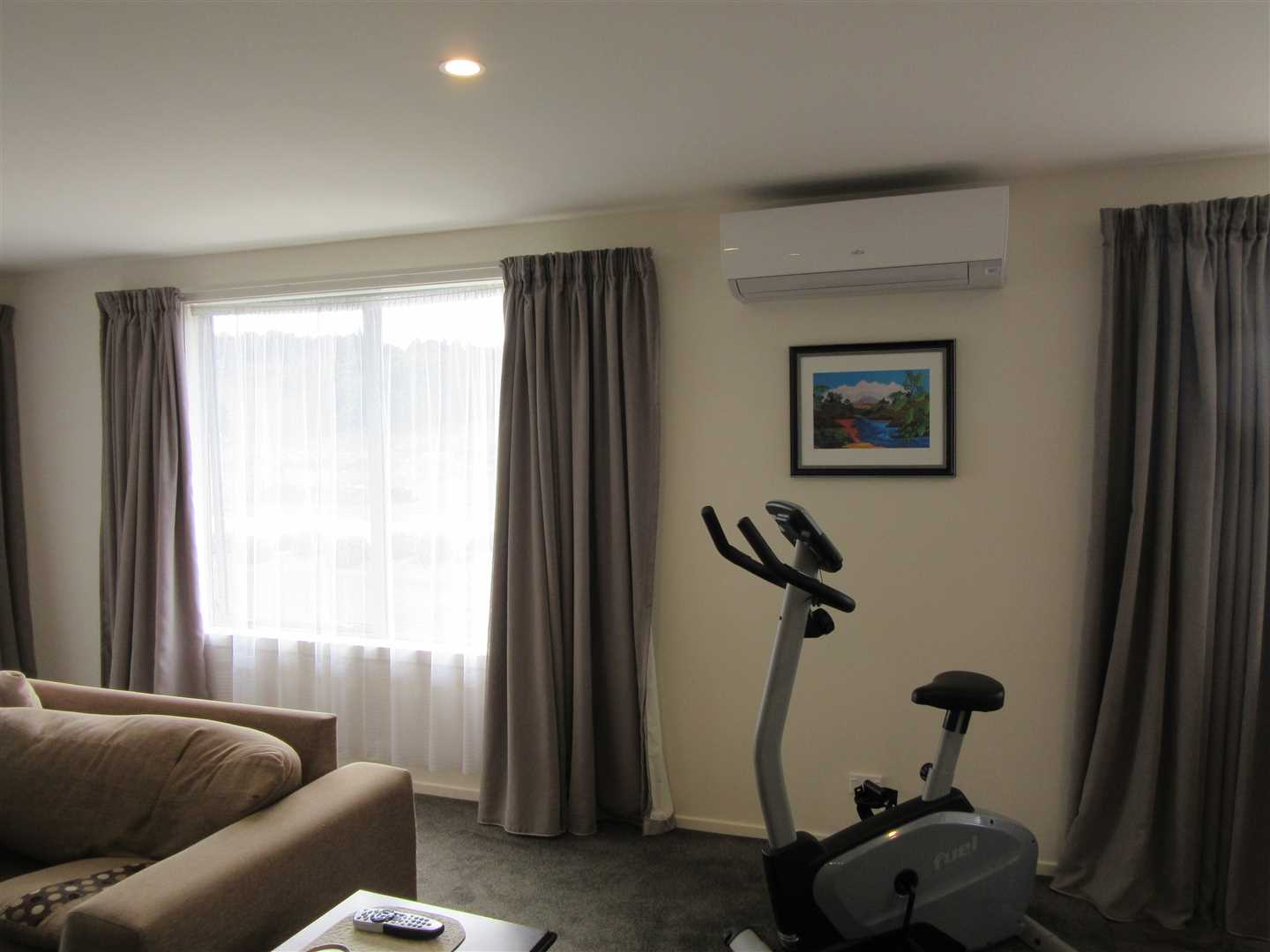 Lounge with heatpump