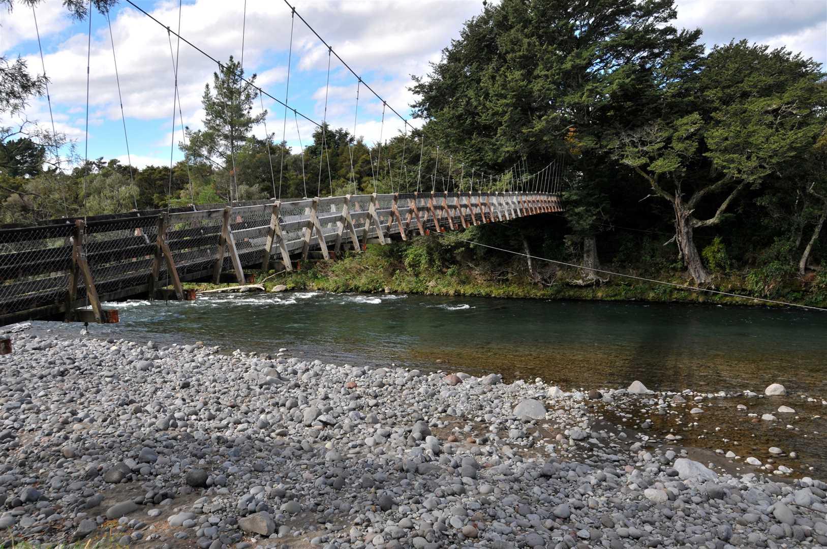 Major Jones Bridge and Tongariro River