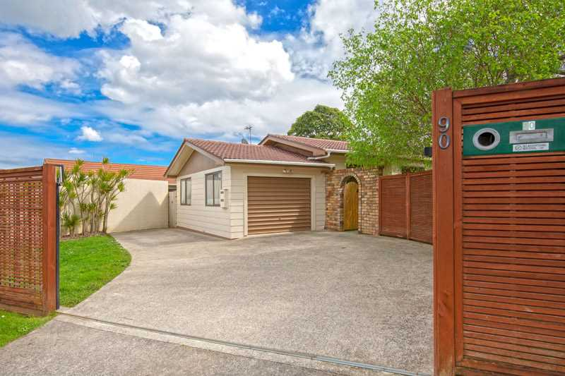 Lovely Family Home On 613sqm Top Location!