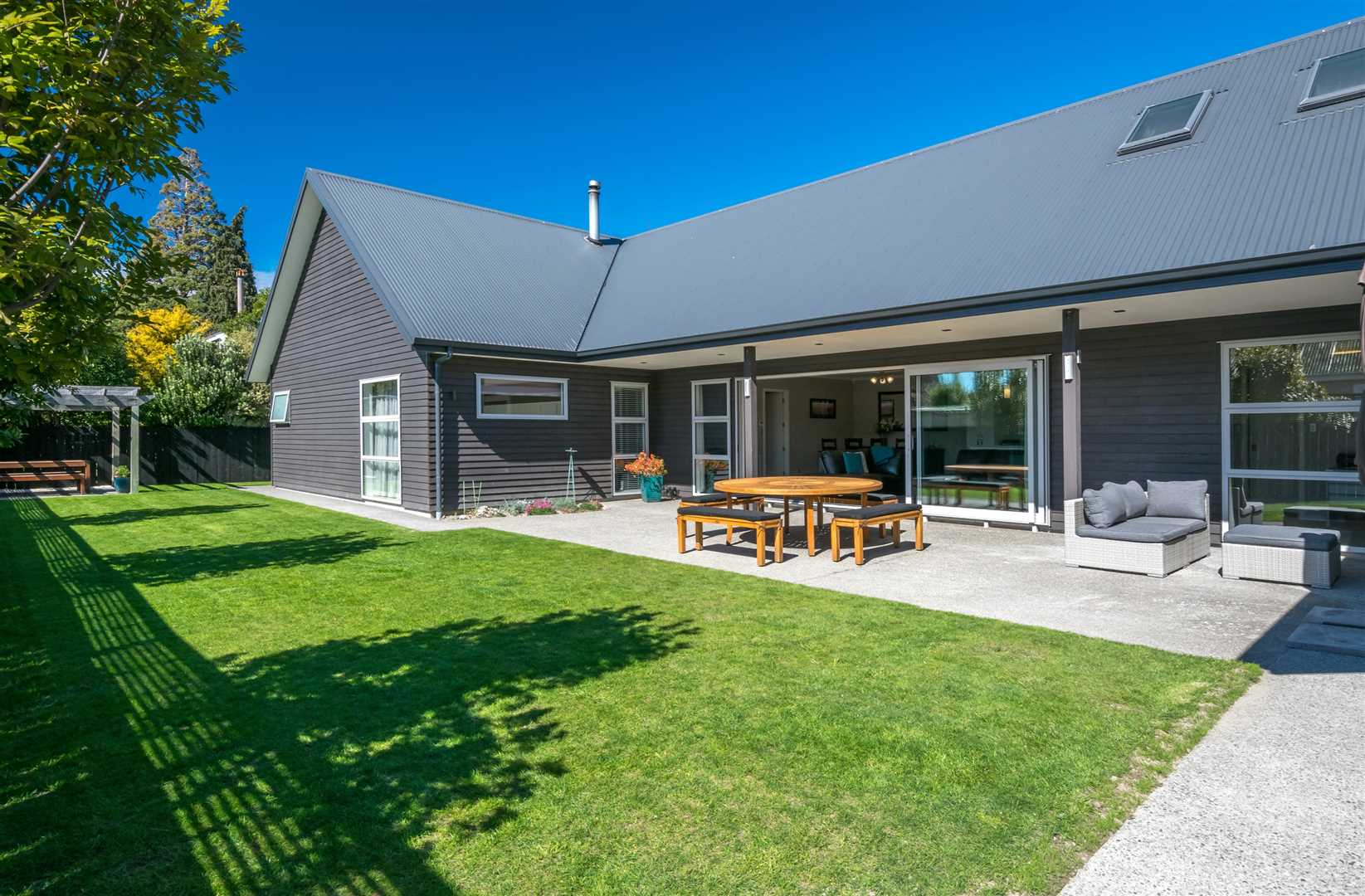 High Spec Home - Springlands